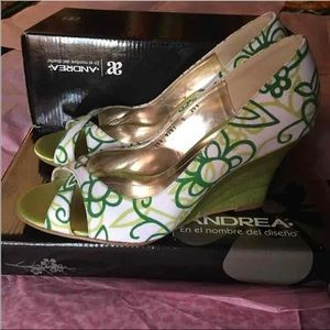 Andrea Brand Shoes, Size 8, Brand new in box